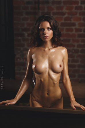 amateur photo Yulia Zubova coming out of the tub