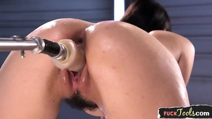 Sybian Riding Babe Drilled By Huge Dildo